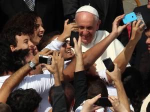 pope-francis-selfies